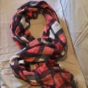 Thirty One Avenue Scarf Check Mate